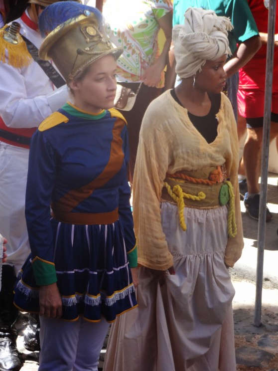 Some of the participants in the parade were dressed as actors in the story of independence as Portuguese soldiers, slaves, and indigenous Brazilians.